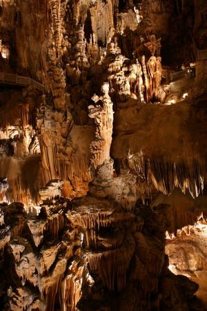 La vierge à l'enfant, Grotte des Demoiselles - Hérault, le Languedoc © Victor Ferrer Rico